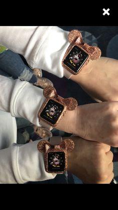 Head over to bestapplewatchcas for more Apple iWatch goodies! - Applewatch - Ideas of Applewatch - . Head over to bestapplewatchcas for more Apple iWatch goodies! Apple Watch Accessories, Iphone Accessories, Apple Watch Bracelets, Apple Watch Bands, Cute Disney, Disney Style, Disney Gefroren, Tigger Disney, Apple Watch Fashion