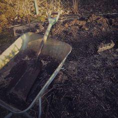 Gardening / Odling och trädgård. Bygg en odlingslimpa.