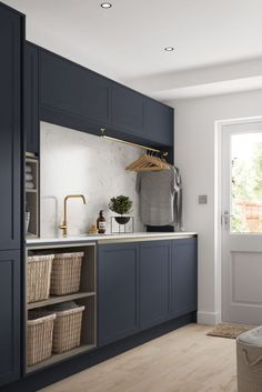 Laundry Room Ideas Discover 23 Chic Utility Room Scullery and Laundry Room Ideas Utility rooms might not be high on the list when it comes to interior design but these 23 stylish utility and laundry room ideas will change your mind Mudroom Laundry Room, Laundry Room Layouts, Laundry Room Remodel, Laundry Decor, Laundry In Bathroom, Laundry Room Organization, Laundry In Kitchen, Laundry Room Baskets, Laundry Basket Storage