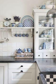 34e8164237d7f0e792552646b689fa8a Home Kitchens Cottage Style Kitchens Cottage Style Living Room Cottage Chic & LOOOOOve the blue tile for a kitchen: Moroccan-Inspired Tiles in the ...