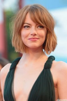 Classic Bob With Side-swept Bangs ❥❥❥ http://bestpickr.com/cute-short-hairstyles