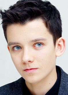 Can I get a round of applause for the freaking gorgeous, the one and only, ENDER?