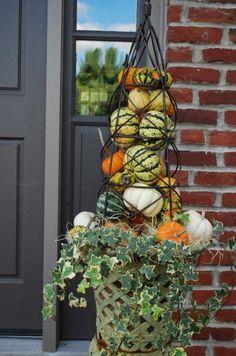 Herbst Container Garten Ideen - Fallin for Fall - Garden Autumn Garden, Easy Garden, Autumn Decorating, Porch Decorating, Obelisk Trellis, Obelisks, Fall Containers, Succulent Containers, Container Flowers