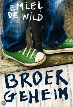 1. Het boek dat ik heb gekozen heet broergeheim. Ik heb dit boek gekozen omdat het mij een spannend boek leek. Ik vond het verhaal op de achterkant ook spannend.