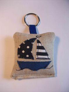 Sail boat key ring