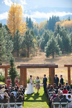 Beautiful Outdoor Fall Wedding at Pine River Ranch in Leavenworth, WA