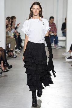 Olivier Theyskens Spring 2018 Ready-to-Wear Fashion Show - Leila Goldkuhl