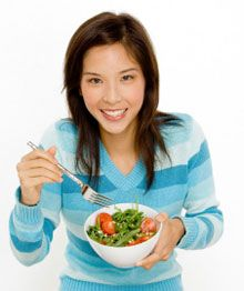 Teen vegetarian needs healthy diet plan, nutritious recipes the whole family will like. Advice from Savvy Vegetarian.