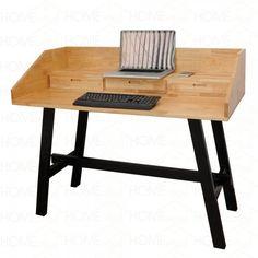 Bàn máy tính 3 ngăn kéo ComDesk - COD68021. Mẫu bàn có thiết kế hiện đại, phong cách, được che chắn xung quanh bằng tấm gỗ, có thể dùng để làm kệ sách tiện tích. Có 3 ngăn kéo chưa vật dụng cá nhân. Kệ đặt màn hình cao giúp người ngồi luôn đúng tư thế khi làm việc.