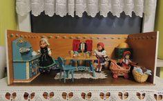 Sehr schöne alte Puppenstube / Puppenhaus von Dora Kuhn mit Bauernmöbeln | eBay