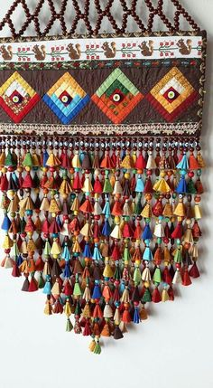 Süs: Very decorative. Diy Craft Projects, Diy And Crafts, Sewing Projects, Art Textile, Bohemian Decor, Boho, Fabric Art, Handmade Christmas, Handicraft