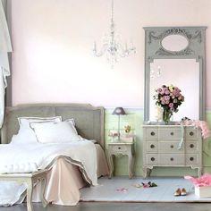 Blass Rosa Schlafzimmer Ideen Nachttisch, Während Das Bett Ist Immer Das  Wichtigste Stück In Jedem