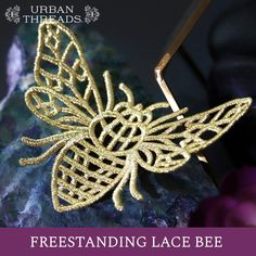 Your projects will be buzzing with this freestanding lace bee! Use your embroidery machine to create this dazzling design. Machine Embroidery Thread, Embroidery Sampler, Machine Embroidery Projects, Applique Embroidery Designs, Applique Patterns, Beaded Embroidery, Embroidery Stitches, Tatting, Freestanding Lace Embroidery