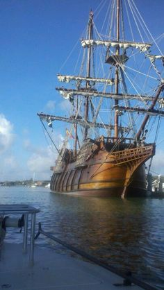 """El Galeón Andalucía"" is the only galeón class vessel in the world sailing today. She is currently on the Sail to Sunny Fort Lauderdale Century Ship Tour. Moby Dick, Bateau Pirate, Old Sailing Ships, Boat Parade, Wooden Ship, Pirate Life, Yacht Boat, Sail Away, Wooden Boats"