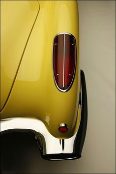 1958 Yellow Corvette- Absolutely beautiful devotion to line and detail! Cadillac, Yellow Car, Mellow Yellow, Colour Yellow, Retro Cars, Vintage Cars, Vintage Auto, General Motors, Dodge