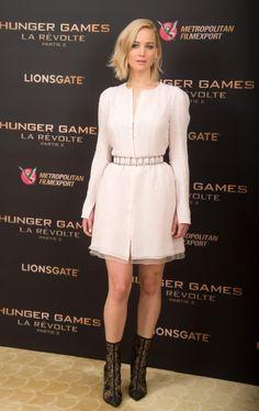 Jennifer Lawrence en la premiere de Los Juegos del hambre: Sinsajo 2 de Dior colección primavera-verano 2014-2015
