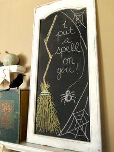Halloween chalkboard designs that you will like in 2014 - i put a spell on you # Halloween Chalkboard Art, Halloween Signs, Spooky Halloween, Holidays Halloween, Halloween Crafts, Happy Halloween, Halloween Decorations, Fall Chalkboard Art, Halloween Kitchen Decor