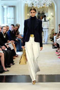 See the complete Ralph Lauren Resort 2015 collection. The complete Ralph Lauren Resort 2015 fashion show now on Vogue Runway. Look Fashion, Winter Fashion, Fashion Show, Fashion Design, Spring Fashion, Classy Fashion, Petite Fashion, French Fashion, Curvy Fashion