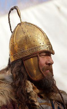 helm Jorvik Viking Festival, York Photo by Alan Harris Viking Armor, Viking Men, Viking Helmet, Arm Armor, Viking Life, Fantasy Male, Fantasy Armor, Medieval Fantasy, Vikings