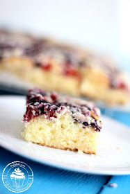 Herkullinen gluteeniton marjapiirakka Krispie Treats, Rice Krispies, Cake Bars, Tea Time, Cheesecake, Gluten Free, Homemade, Baking, Desserts