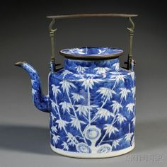 Blue and White Teapot with Metal Handle Blue And White China, Blue China, Porcelain Ceramics, China Porcelain, White Tea Cups, Chinese Bamboo, Tea Pot Set, Tea Service, Chinese Antiques