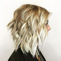 20 Long Choppy Bob Hairstyles for Brunettes and Blondes Blonde Balayage with Choppy Layers Bob Haircut Curly, Line Bob Haircut, Choppy Bob Hairstyles, Sleek Hairstyles, Blonde Hairstyles, Layered Hairstyles, Short Haircuts, Long Choppy Bobs, Blondes