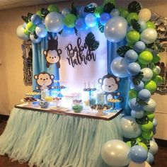 Monkey Baby Shower Decorations to Add Cute Detail for Baby Shower - Baby Shower Tips - Baby Shower Ideas Monkey Baby Shower Decorations, Baby Shower Themes, Shower Ideas, Shower Tips, Fiesta Baby Shower, Baby Boy Shower, Monkey Themed Baby Shower, Monkey Baby Showers, Baby Boy Monkey
