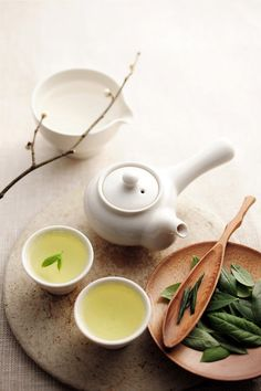 Best green tea brands use quality tea leaves and produce the healthiest green tea for your well-being and joyful moments. Matcha, Tea Culture, Tea Brands, Chinese Tea, Tea Art, Best Tea, China, Tea Recipes, Drinking Tea