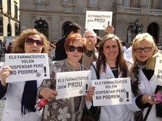 Manifestandonos en Plaza Sant Jaume