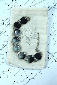 Accurate Phases of the Moon Bracelet Phases of the Moon Bracelet by TheScienceBoutique on Etsy Jewelry Box, Jewelry Accessories, Jewelry Making, Jewlery, Fashion Images, Mode Style, Beaded Bracelets, Bling, Gifts