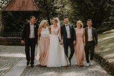 Schauen Sie sich die Fotos von Nadine & Andre . Bridesmaid Dresses, Wedding Dresses, Weddings, Fashion, Photos, Bridesmade Dresses, Bride Dresses, Moda, Bridal Gowns