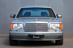 Consignatie oldtimer of youngtimerMercedes-Benz 560 SEL - thecoolcars. Mercedes Benz Canada, Mercedes W126, Mercedes Benz World, Old Mercedes, Mercedes Benz Trucks, Mercedes Benz G Class, Classic Mercedes, Benz S Class, Smart Roadster Coupe