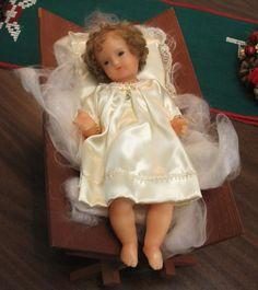 Enfant Jésus en cire avec cheveux naturels. Infant Jesus: wax and natural hair.