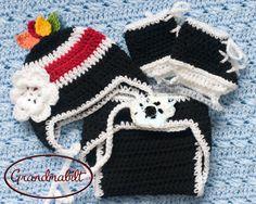 CHICAGO BLACKHAWKS Traditional Crocheted Hockey Set by Grandmabilt