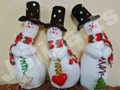Resultado de imagen para nieves derretidos  en paño lency moldes Snowman Christmas Decorations, Snowman Crafts, Christmas Snowman, Christmas Stockings, Christmas Diy, Diy And Crafts, Christmas Crafts, Christmas Ornaments, Holiday Decor