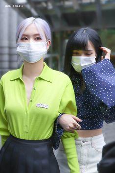 South Korean Girls, Korean Girl Groups, Jenny Kim, Blackpink Photos, Blackpink Fashion, Jennie Blackpink, Blackpink Jisoo, Color Rosa, Look At You