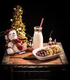 #mangeraveclesyeux #nutrition #food Afin de souligner la venue prochaine dans notre foyer du petit papa Noël, Sandra et nos marmitons en herbe ont confectionné une série de biscuits, afin que notre intrus au gros bedon puisse choisir sa saveur préférée. 