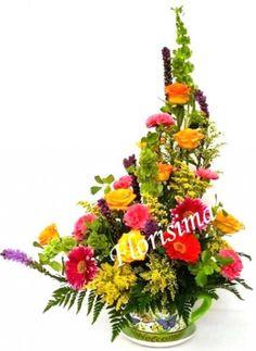 MAYO Y MAMA 2015 + Florisima.com, Flores y Mas. Taza de la Reyna Para la Reyna del Hogar una bellisima taza de ceramica fina con diversidad de flores y follajes de complemento, encuentra todos los detalles en nuestra web.