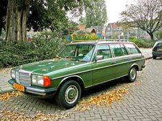 land:  Mercedes W123 wagon