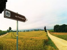 #Weekend in #Tuscany & The #Francigena #Street at the #BedAndBreakfast La Locanda di Via della Ralla - A #Stay Offer in Tuscany, #enjoying the #pleasures of the Tuscan #countryside with #visits to #places of #interest and #walking or #cycling #excursions along the Francigena Street #greenwhereabouts #nature #travel #ecofriendly #springtime #italy #offer #stayoffer #francigenastreet #viafrancigena