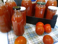 Confectionery, Cooking Classes, Hot Sauce Bottles, Food Hacks, Food And Drink, Canning, Vegetables, Flavored Olive Oil, Healthy Appetizers
