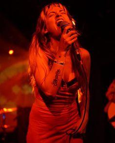 Lauren Ruth Ward ~ Soul  . . . #laurenruthward #emmacole #theecho #dtla #playlikeagirl #kroq #localsonly #livemusic #losangeles #echopark #funk #soul #rock #indie #punk #gospel #blues #localshow #concert #localartist #songwriters #localmusic #localbands #musicians #a6000camera #a6000sony #sonyphotography #sonya6000 #35mm #a6000