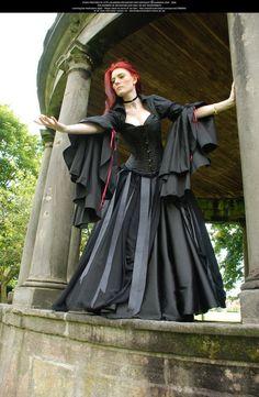 victorian-goth: Victorian Goth reblogged with tintum. Love the dress!