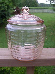 Grandma had a cookie jar like this. I wonder what happened to it....