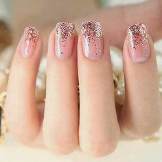 Nails Arts Ideas. Never such thing as too much glitter!