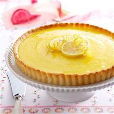https://cdn2.tmbi.com/TOH/Images/Photos/37/300x300/Lemon-Tart-with-Almond-Crust_exps24207_TH1193306B10_04_4bC_RMS.jpg