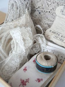 nice way to display lace and threads.