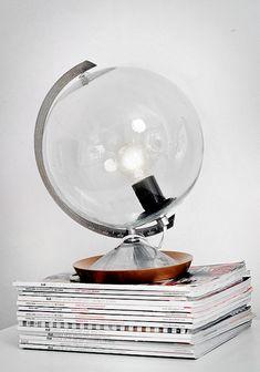 DIY lampe: Globus  Her er ideen til den gamle globus du måske har liggende gemt væk på loftet. Ide set hos den svenske blogger Trendenser.se