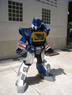 Epic Soundwave cosplay!