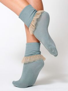 Girly Lace Ankle Sock // buy thin tall dress socks sew on lace